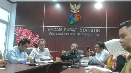 Ketgam : Badan Pusat Statistik (BPS) Sulawesi Tenggara (Sultra) saat mempresentasekan data Jumlah penduduk miskin di Sultra/foto : Arif Kalosara News