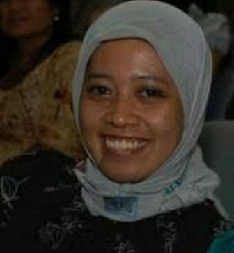 Ketgam : Foto Istimewa Direktur Aliansi Perempuan Sultra, Hasmida Kar