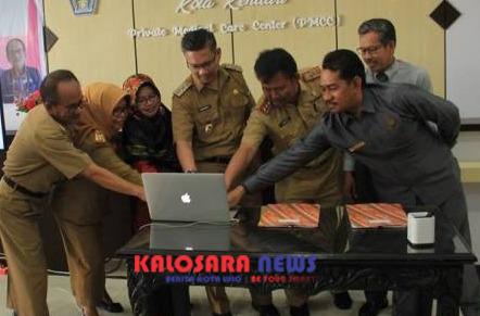 Plt Walikota Kendari Sulkarnain Kadir resmi meluncurkan tiga aplikasi berbasis online
