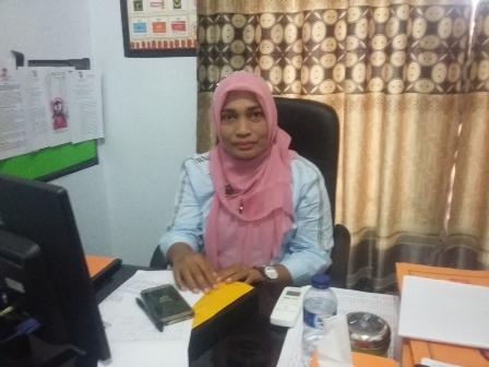 Ketgam : Komisioner KPU Muna Divisi Program Dan Data, Yuliana Rita