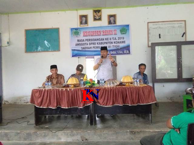 Ketgam : Ketua Dewan Perwakilan Rakyat Daerah (DPRD) Konawe Dr Ardin melaksanakan Reses ke tiga masa sidang II di Desa Baruga, Kecamatan Wonggeduku Barat. Kamis ,(21/2/2019).