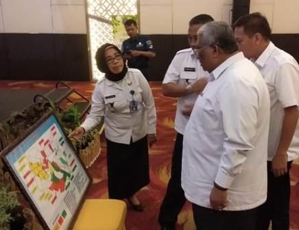 Ketgam : Gubernur Sulawesi Tenggara Ali mazi menghadiri Rapat Koordinasi Program Pemberdayaan Masyarakat Anti Narkoba di Instansi Pemerintah./foto: Afdal