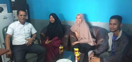 Gambar: Muh. Safriansyah dan tiga mahasiswa yang akan kerja praktek di PT PPT.