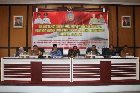 Ketgam : Pemerintah Daerah (Pemda), Kejaksaan, Badan Pengawas Pemilu (Bawaslu), Komisi Pemilihan Umum (KPU) serta Unsur TNI dan Kepolisian wilayah Konawe Selatan menggelar Rapat Terpadu pemantapan.