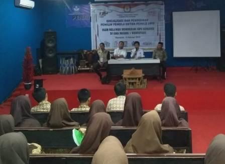 etgam : Sosialisasi Tahapan pemilih kepada 50 pelajar SMAN 1 Wawotobi oleh Relasi Pemilih Pemula KPU Konawe