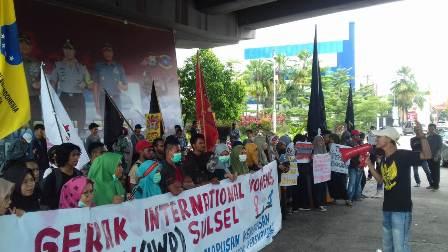 Ketgam : Mahasiswa Aliansi Internasional Women's Day (IWD)menggelar unjuk rasa dalam rangka memperingati hari Perempuan Internasional Jum'at 08 Maret 2019/foto : Paulus Kalosara News