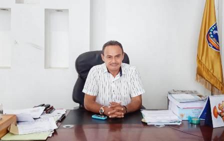 Ketgam : Kepala Badan Keuangan dan Aset Daerah Kabupaten Muna, Amrin Fini