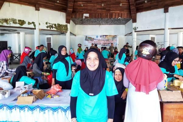 Ketgam : Ketia TP-PKK Kabupaten Muna, Yanti Setiawati
