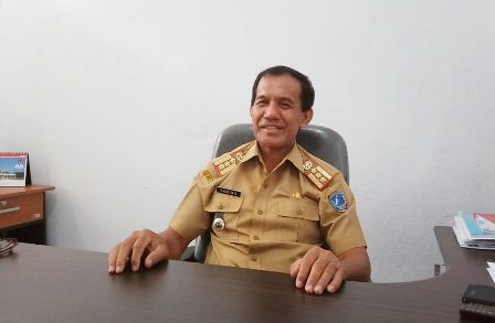 Ketgam : Kepala Dinas Sosial Kabupaten Muna, Drs. La Kore, Mpd