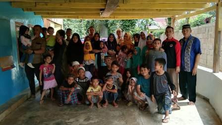 Ketgam : Padepokan Seni Penjaga Diri Kun Fayakun (PSP-FK) berbagi kebahagiaan dengan anak panti asuhan An - Nur Azwar