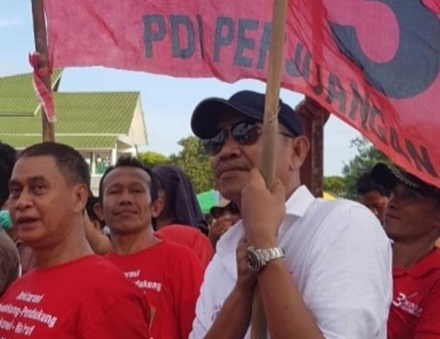 Ketgam : Ketua DPC PDIP Kota Kendari H Ishak Ismail