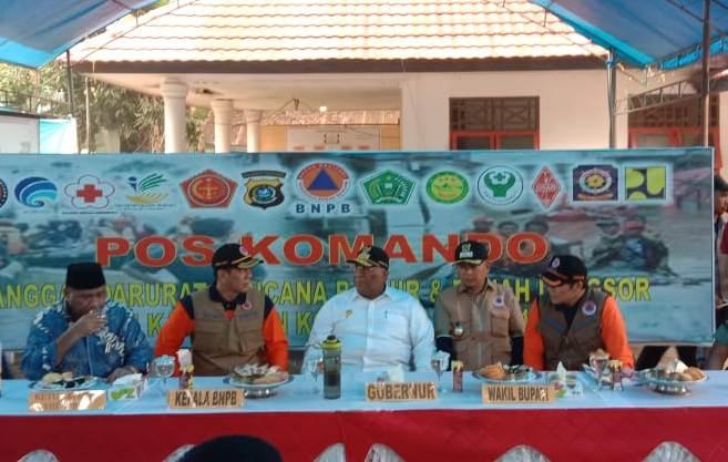 Ketgam : suasana penyambutan Kepala Badan Nasional Penanggulangan Bencana (BNPB) RI Letnan Jenderal Doni Monardo serta Ketua Komisi VIII DPR RI M.Ali Taher. Kedatangan mereka didampingi oleh Gubernur Sulawesi Tenggara Ali Mazi, SH