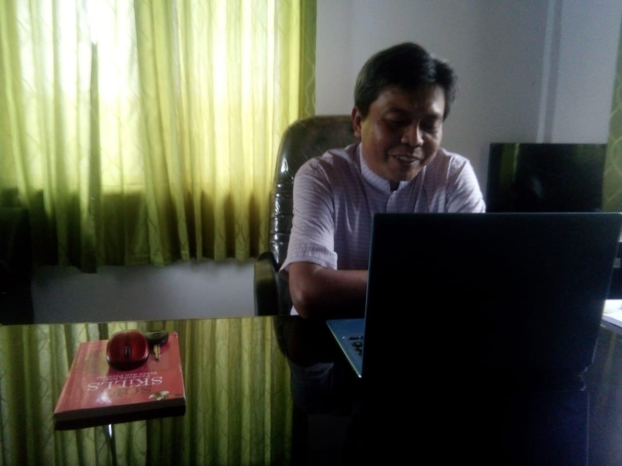 Ketgam : Direktur Stikes Karya Kesehatan Kendari ,Muhammad Saiful Saehu (Foto: Hendra)