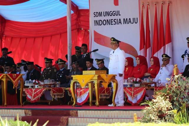 Ketgam : Bupati Konawe Kery Saiful Konggoasa saat memimpin upacara HUT RI ke 74 Tahun