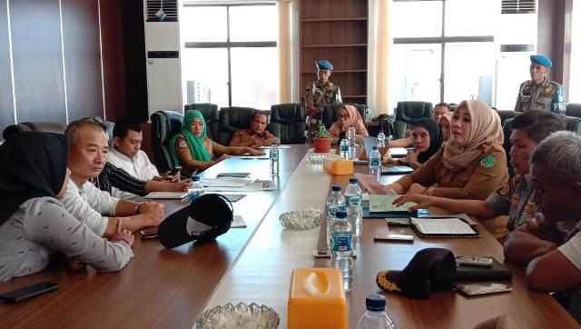 Ketgam : Suasana rapat tim percepatan penyelesaikan kewajiban PT VDNI ke Pemda Konawe