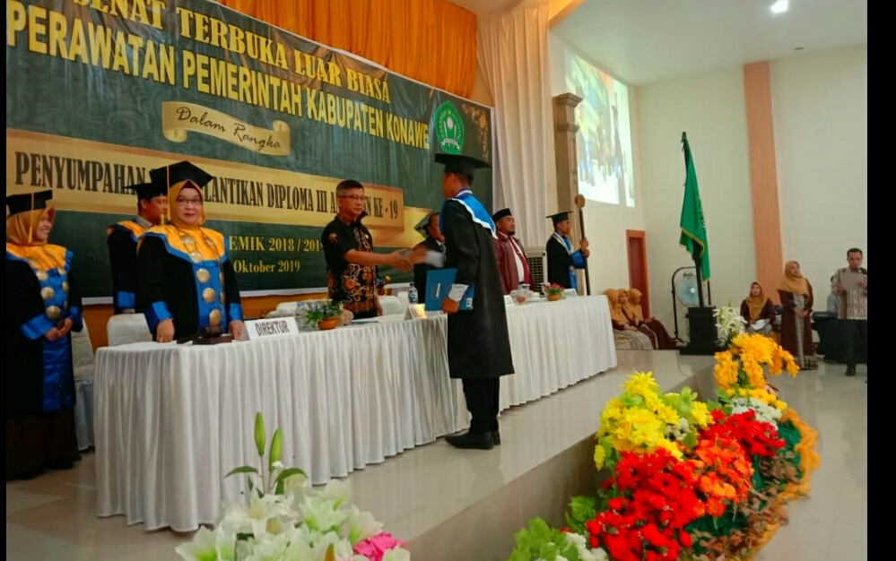 Ketgam : Suasana wisuda Akper Konawe tahin 2019 yang di hadiri oleh Wakil Bupati Konawe Gusli Topan Sabara