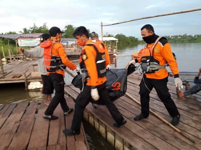 Ketgam : saat di evakuasi jazad bocah yang temukan