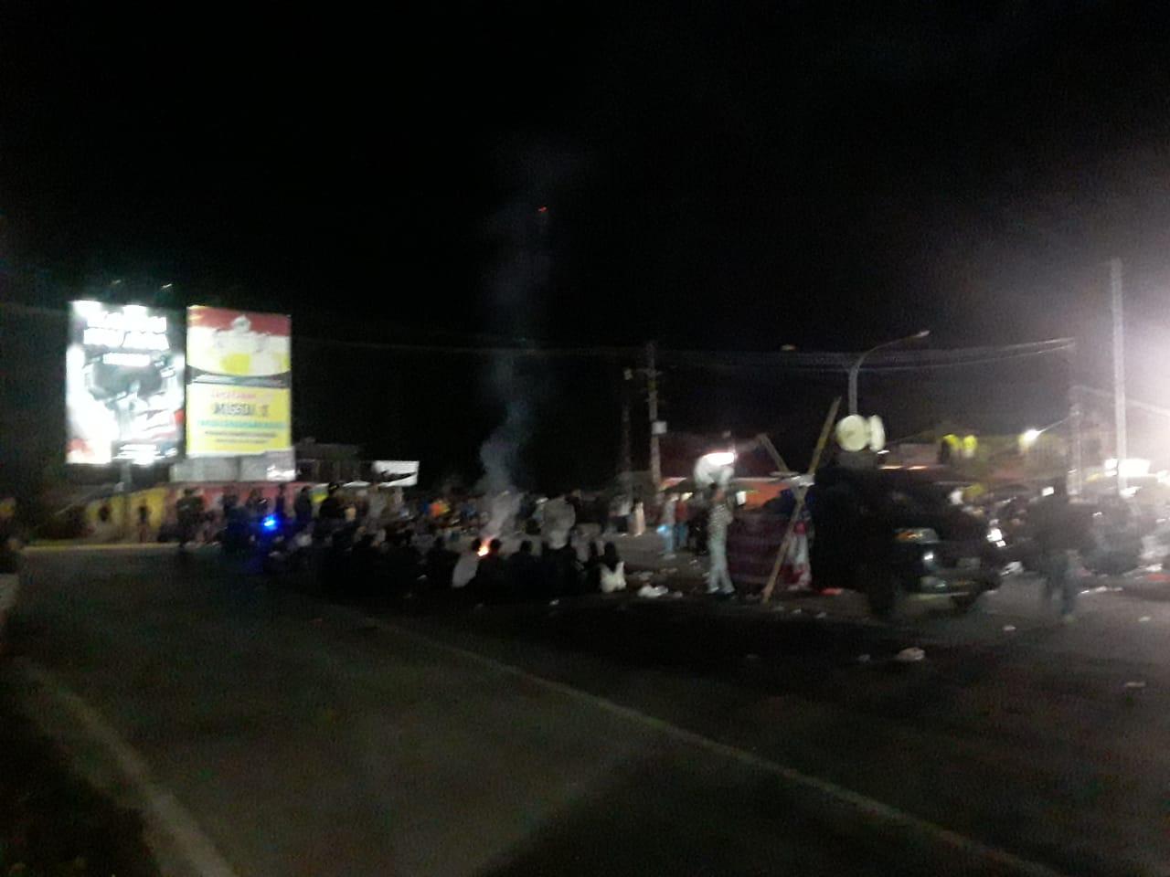 Ketgam : massa aksi masih bertahan hingga malam