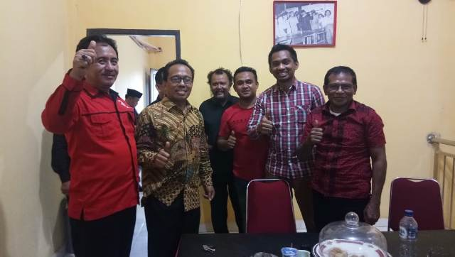 Ketgam:Syarifuddin Udu Saat berada di Kantor PDIP Sultra