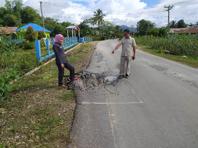 Ketgam : Anggota DPRD Kabupaten Konsel saat melakukan monitoring dan evaluasi (monev)