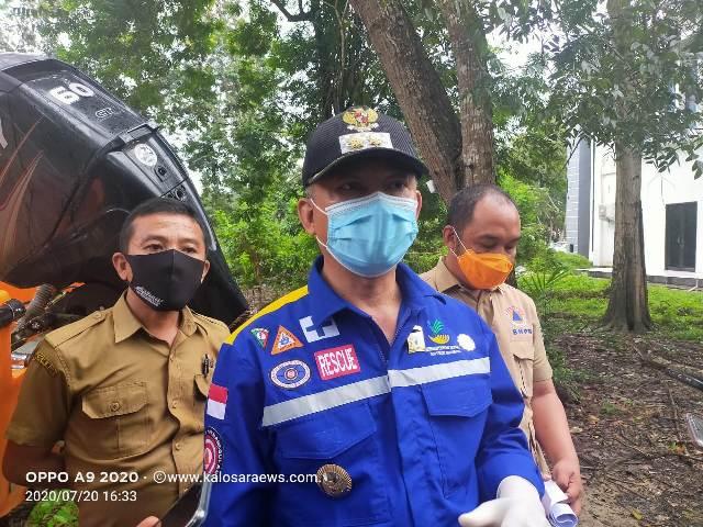 Ketgam : Wakil Bupati Konawe Gusli Topan Sabara saat mengecek kesiapan Armada BPBD yanh di dapingi Kepala BPBD Konawe