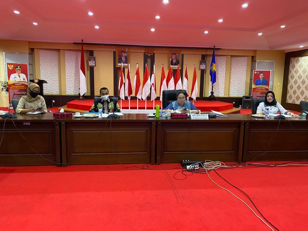 Dewan Kerajinan Nasional Daerah (Dekranasda) Sulawesi Tenggara (Sultra) mengikuti seminar dan bazar daring secara virtual, di Aula Merah Putih Rujab Gubernur Sultra, Kamis (03/09/2020).