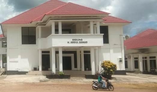 Gedung DPRD Konawe yang terlihat kosong meski di jam kerja
