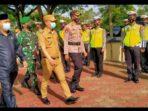 Ketgam : Wakil Bupati Gusli Topan Sabara, Ketua DPRD, Dr. Ardin, Kapolres Konawe AKBP Yudi Kristanto saat mengecek personil persiapan operasi Lilin Anoa 2020